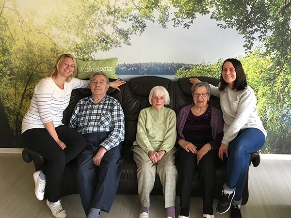 Das Leitungsteam und die Bewohner der AWO Senioren-WGs Schmalkalden